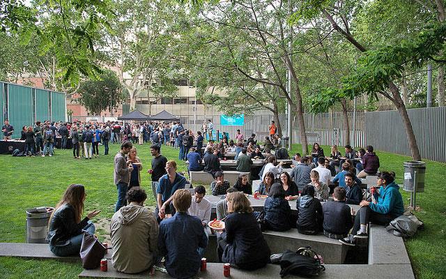 Fideuà picnic at UPF