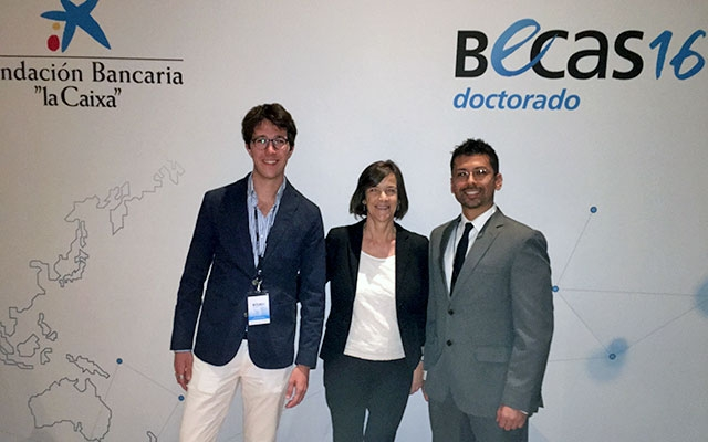 Barcelona GSE Director Teresa Garcia-Milà with fellowship recipients