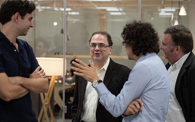 Narayana Kocherlakota chats with Barcelona GSE Affiliated Professors at the Trobada