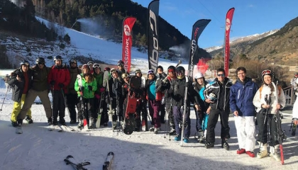 Students and alumni on the ski slopes in Andorra