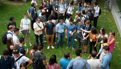 Students play icebreaker games at Barcelona GSE Orientation Day